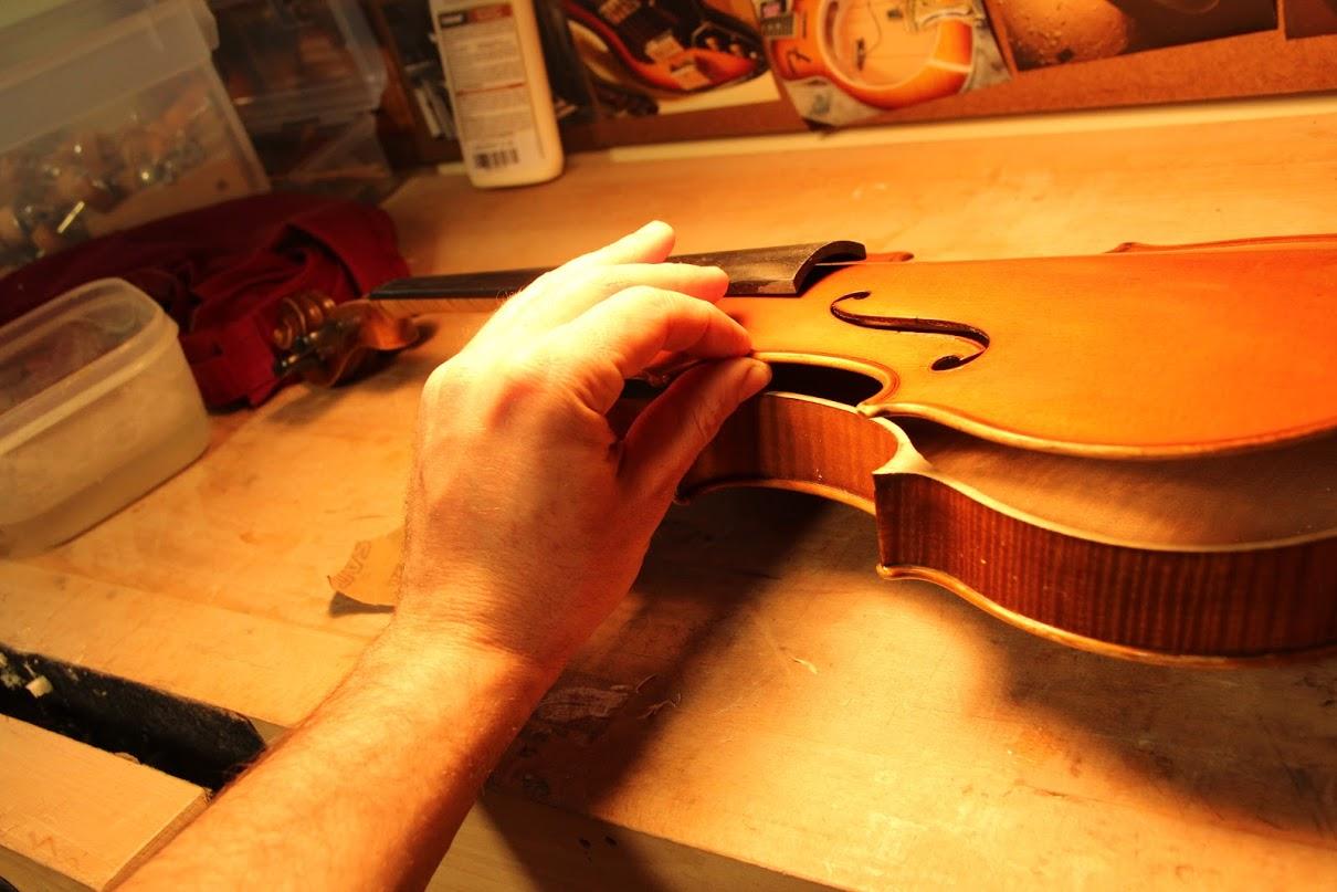 antique violin opening