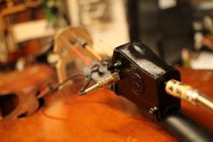 violoncello elettrificato