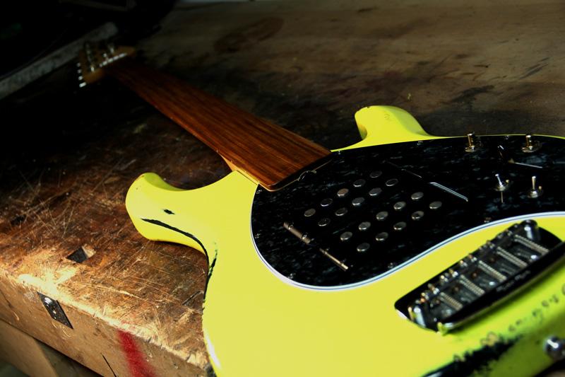 Musical Instrument Shop g bass