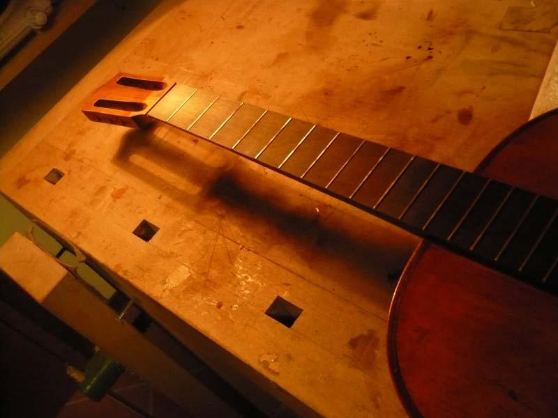 Telesforo Julve Guitar, luthier services