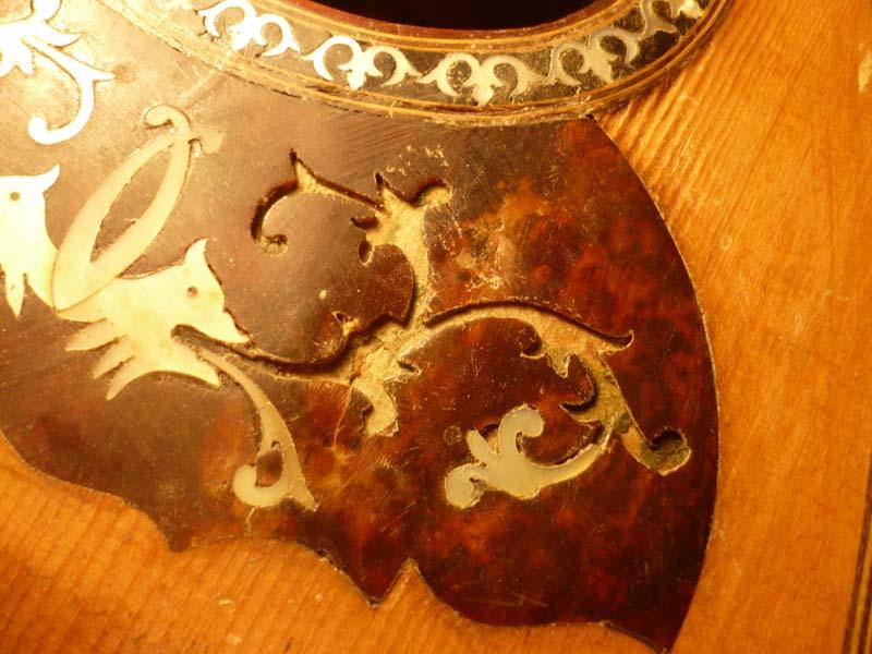 Mondolino antico, restauro intarsio