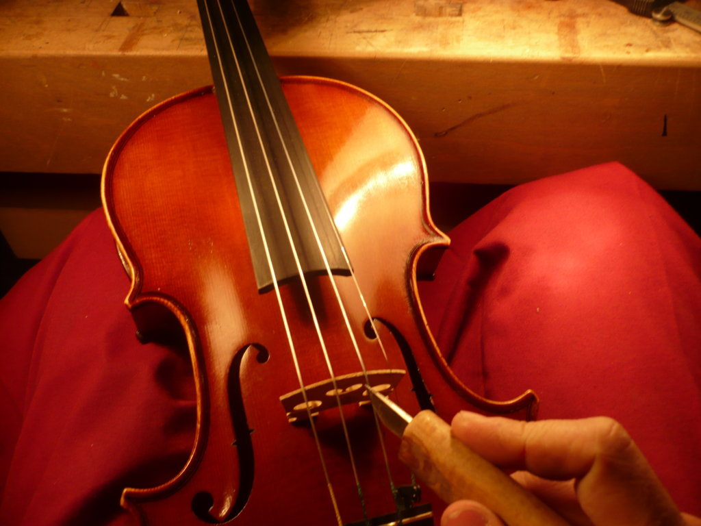 Violin tuning, luthier services
