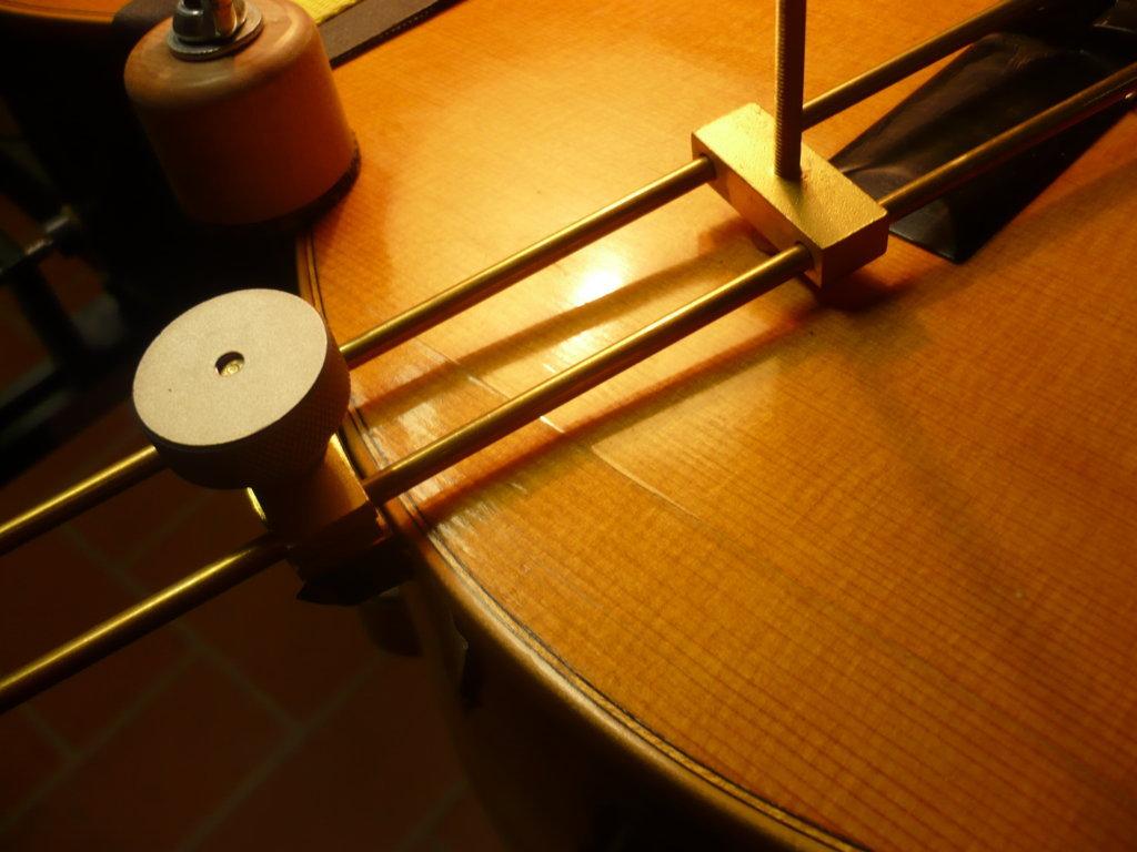 Guitar restoration, luthier services