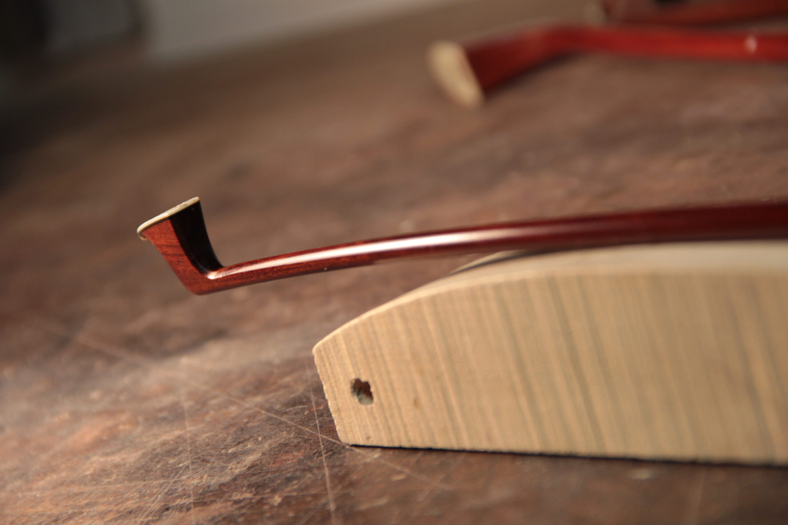 Bow curve, luthier service